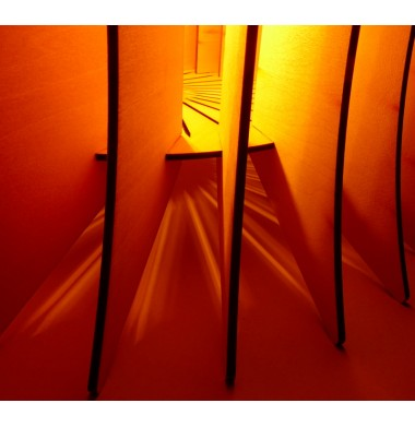 Luminaire bois design silhouette gros plan